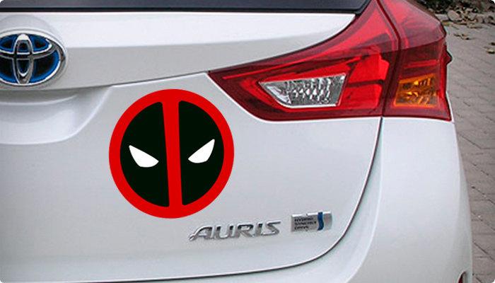 pegatina simbolo deadpool coche